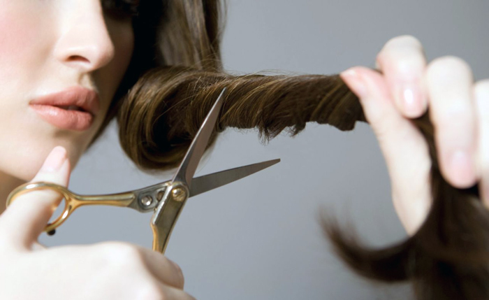 отстричь себе волосы