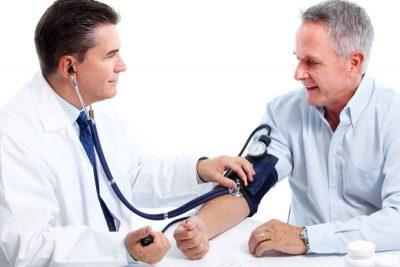 Опасность, последствия и осложнения при болезни Паркинсона: давление