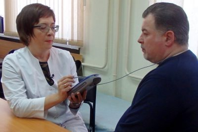Электростимулятор при болезни Паркинсона: аппаратное лечение