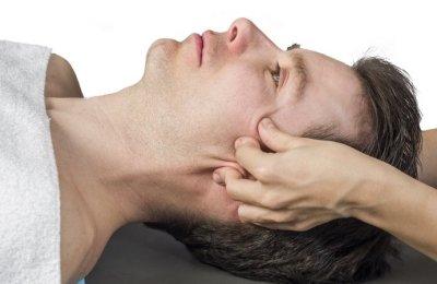 Массаж при неврите лицевого нерва: помогает ли?