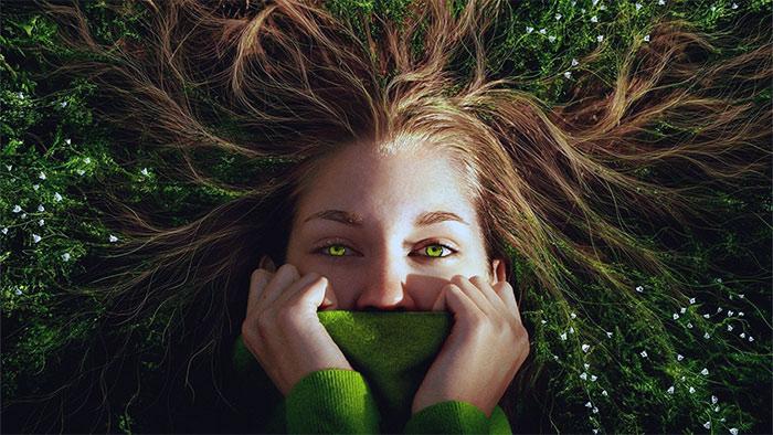 трава в волосах