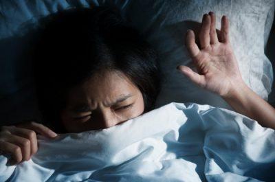 Сонный паралич: что это и как проявляется