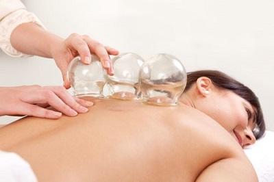 Какой вид массажа эффективнее при защемлении седалищного нерва
