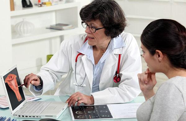 Разбираемся, чем внутренний эндометриоз отличается от наружного и какие методы лечения данной патологии существуют...