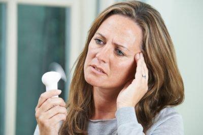 Причины бессонницы у женщин: климакс