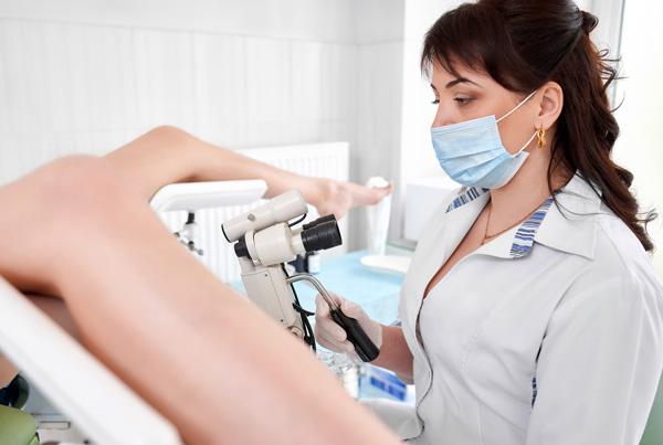 Обращение к врачу при наличии патологических выделений