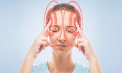 Симптомы мигрени у женщин и фазы болезни