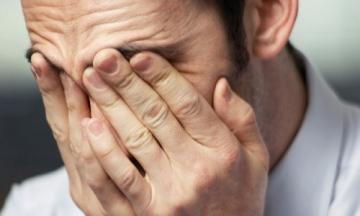 Белый налет на головке члена: причины и способы борьбы с ним