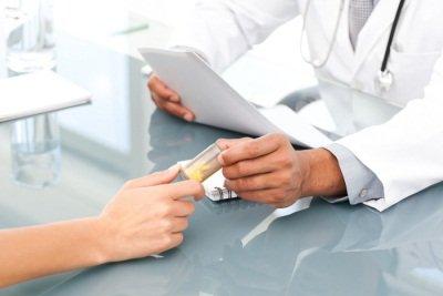 Симптомы мигрени у женщин и терапия при климаксе