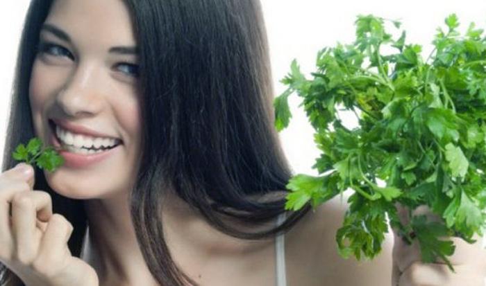 применение петрушки для кожи лица