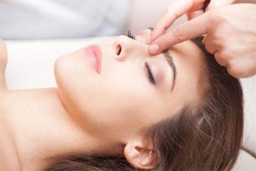Массаж при неврите лицевого нерва: стандартный, точечный, противопоказания, техника выполнения