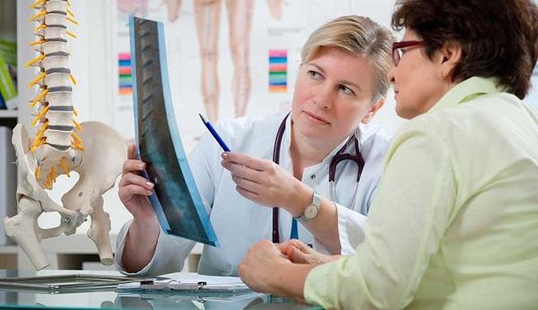 Как распознать болезнь Бехтерева ее симптомы и признаки