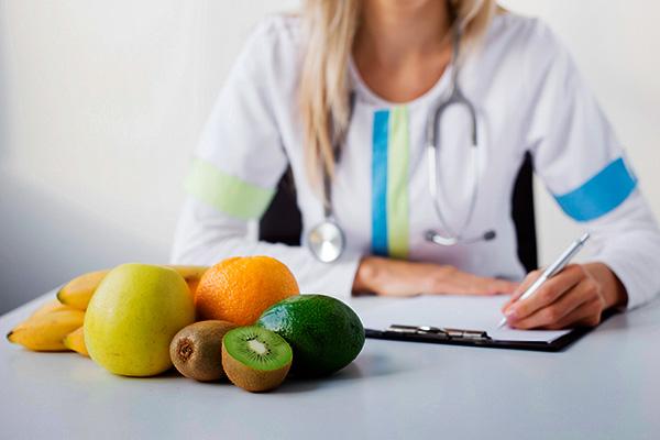 Перед началом диеты необходимо проконсультироваться с диетологом