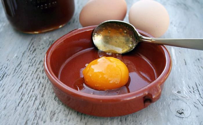 с яйцом и медом