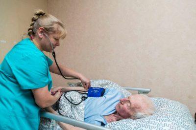 Деменция - сколько лет живут: лежачие больные