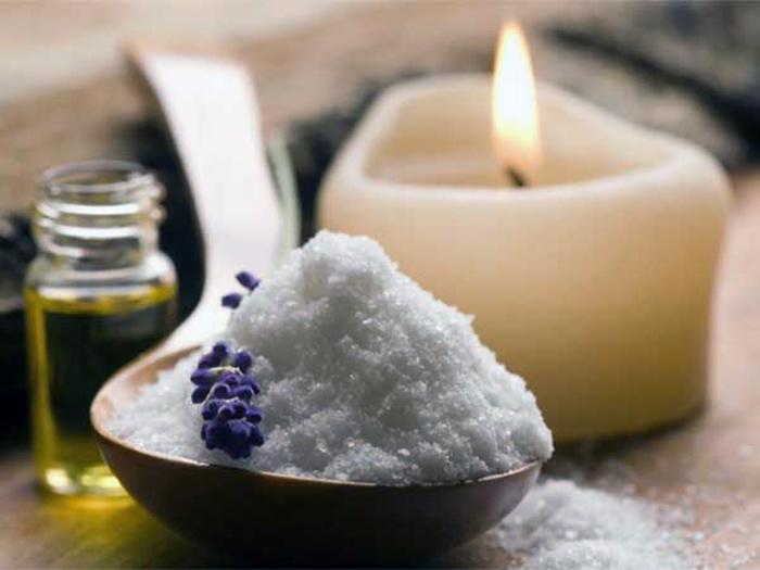 свечка и соль